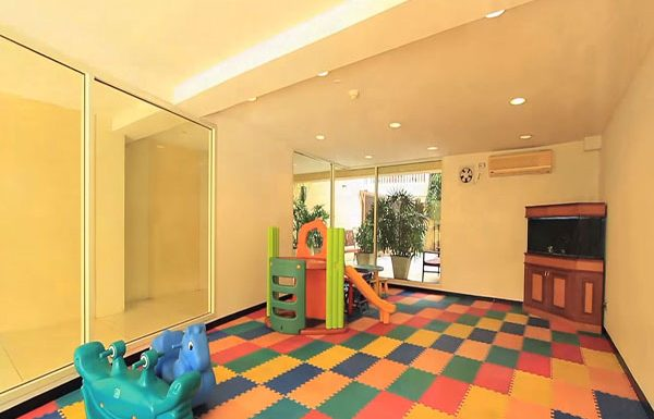Hampton-Thonglor-Bangkok-condo-for-sale-children